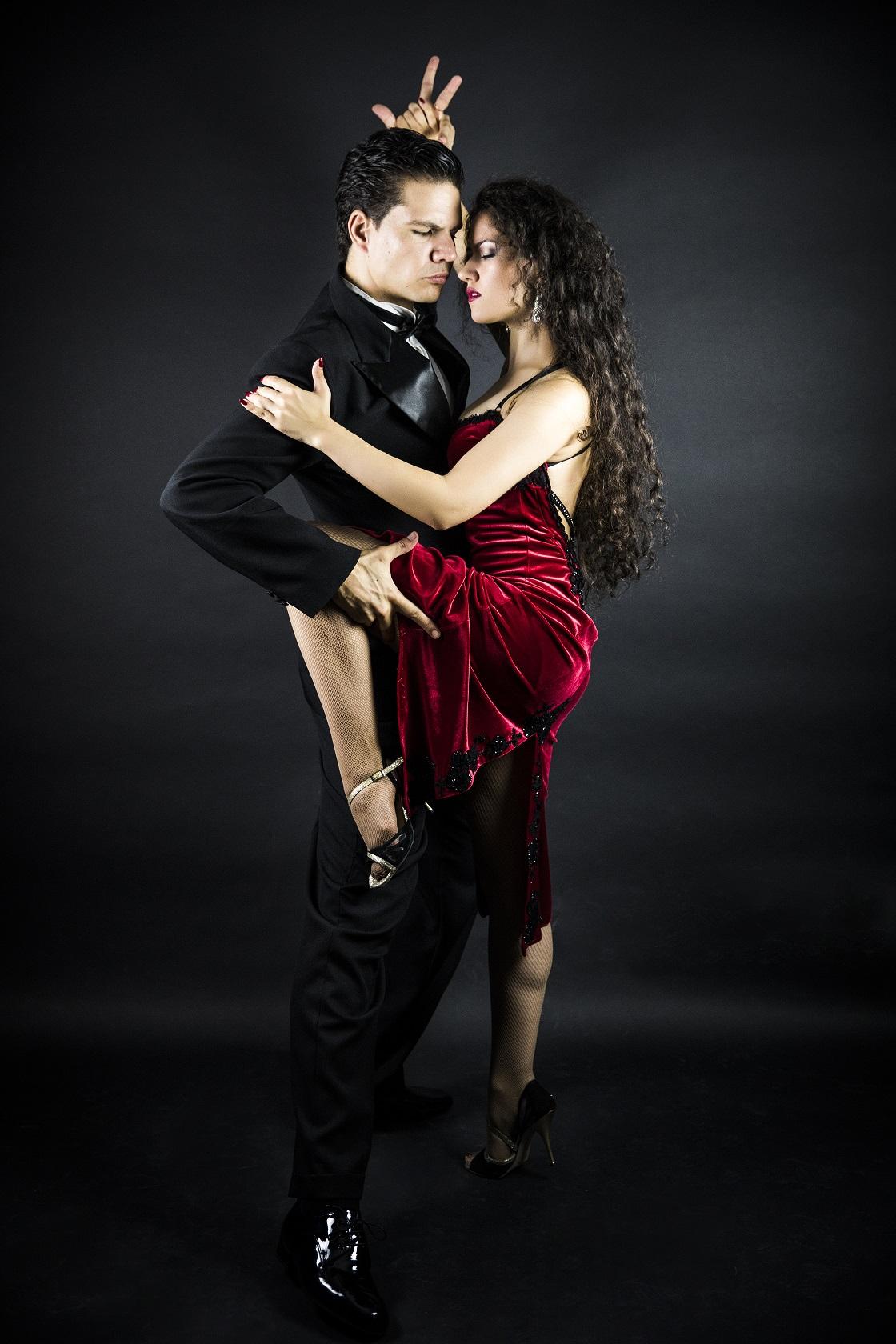 sito di Tango datingDating britannico spettacolo metodo Raider
